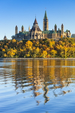 CA03240 Canada, Ontario, Ottowa, capital of Canada, Canadian Parliament Building, autumn, sunset