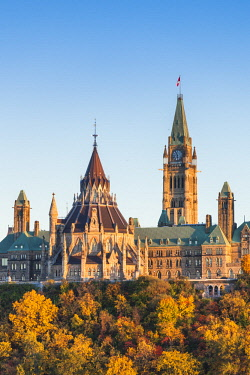 CA03241 Canada, Ontario, Ottowa, capital of Canada, Canadian Parliament Building, autumn, sunset