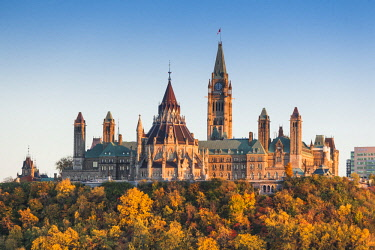 CA03242 Canada, Ontario, Ottowa, capital of Canada, Canadian Parliament Building, autumn, sunset