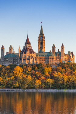 CA03243 Canada, Ontario, Ottowa, capital of Canada, Canadian Parliament Building, autumn, sunset