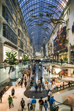 CA03265 Canada, Ontario, Toronto, Eaton Centre shopping mall, interior