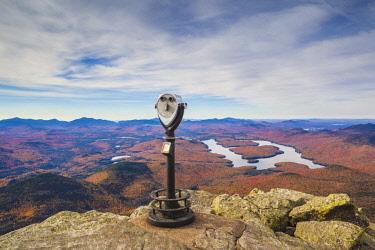 US61428 USA, New York, Adirondack Mountains, Wilmington, Whiteface Mountain, view towards Lake Placid, autumn