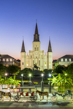 USA12557AW United States, Louisiana, New Orleans, French Quarter. Jackson Square and St. Louis Cathedral at dusk.