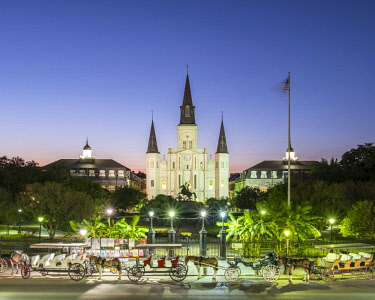 USA12558AW United States, Louisiana, New Orleans, French Quarter. Jackson Square and St. Louis Cathedral at dusk.