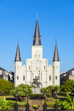 USA12658AW United States, Louisiana, New Orleans, French Quarter. Saint Louis Cathedral on Jackson Square.