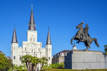 USA12659AW United States, Louisiana, New Orleans, French Quarter. Saint Louis Cathedral and Statue of Andrew Jackson on Jackson Square.