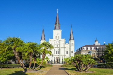 USA12730AWRF United States, Louisiana, New Orleans, French Quarter. Saint Louis Cathedral on Jackson Square.