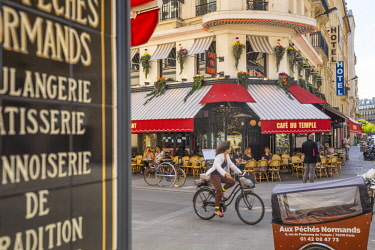 FR20337 Cafe, Place de la Republique, Paris, France