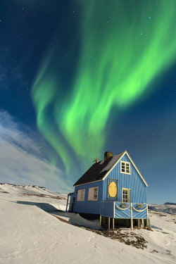GRN1349 Northern Lights (Aurora Borealis) above the Inuit settlement of Oqaatsut, West Greenland