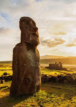 CHI10618AW Moais in Ahu Tongariki, Rapa Nui National Park, Easter Island, Chile