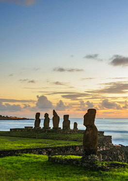 CHI10789AWRF Moais in Tahai Archaeological Complex at sunset, Rapa Nui National Park, Easter Island, Chile