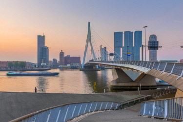 NL02304 Netherlands, South Holland, Rotterdam, Erasmusbrug, Erasmus Bridge and Wilhelminakade 137, De Rotterdam, The Rotterdam Building