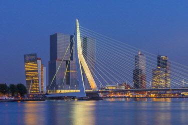 NL02310 Netherlands, South Holland, Rotterdam, Erasmusbrug, Erasmus Bridge and Wilhelminakade 137, De Rotterdam, The Rotterdam Building