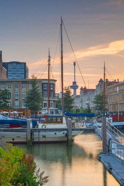 NL02335 Netherlands, South Holland, Rotterdam, Veerhaven