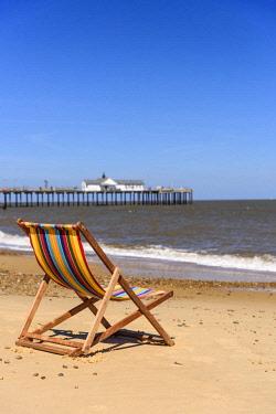 UK08165 UK, England, Suffolk, Southwold, Southwold Beach and Pier, Deckchair