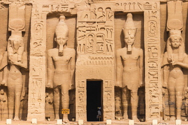 EG03183 Egypt, Abu Simbel, The small temple -known as Temple of Hathor - dedicated to Nefertari for the worship of the goddess Hathor and adorned with statues of the King and Queen