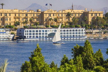 EG03373 Egypt, Luxor, View of Nile cruise boats infront of The Winter Palace Hotel