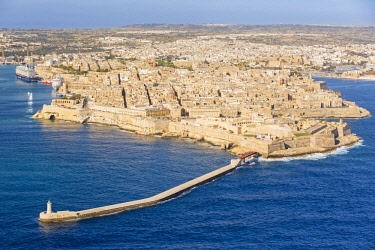 MLT0600AW Malta, South Eastern Region, Valletta. Aerial view of the peninsula of Valletta.