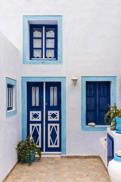 GRE1365AW Picturesque corner of Pyrgos, Santorini, South Aegean, Greece