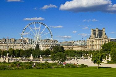 HMS1609721 France, Paris, the Jardin des Tuileries and the Ferris Wheel