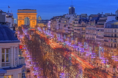 HMS1915970 France, Paris, the Arc de Triomphe and the Champs Elysees avenue illuminated for Christmas