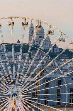 HMS2193779 France, Paris, Ferris wheel installed in the Tuileries gardens, along the Rue de Rivoli (aerial view)