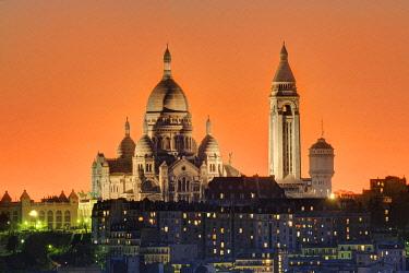 HMS2398781 France, Paris, the Sacred Heart (Sacre Coeur) basilica on the hill of Montmartre