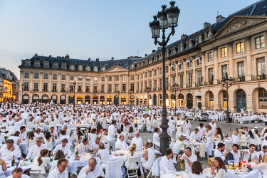 HMS2507395 France, Paris, Place Vendome, 28th edition the Dinner in White of June 8, 2016