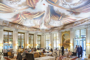 HMS3083397 France, Paris, Rue de Rivoli, luxury hotel Le Meurice founded by Augustin Meurice in 1838 and frequented by Jean Cocteau, Queen Victoria, Ernest Hemingway, Pablo Picasso, Andy Warhol ..., Le Dali rest...