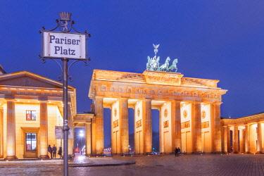 CLKAB59049 Pariser Platz and Brandenburg Gate in Berlin city, Land Berlin, Germany, Europe