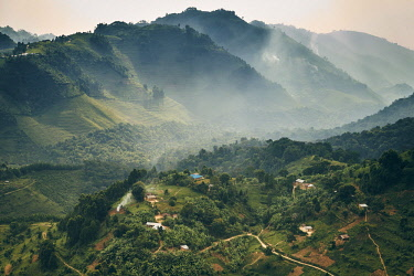 CLKFS58754 Small village in a mountain valley of Uganda, Bwindi Impenetrable Forest, Bwindi National Park, Kanungu District, Kigezi sub-region, Uganda, Eastern Equatorial Africa, Africa