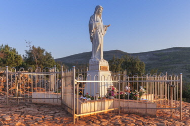 CLKMG57577 Europe, Balkans, Bosnia and Herzegovina, Medjugorje. The statue of the Virgin Mary on the apparition hill