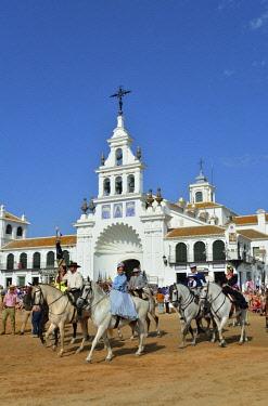 SPA7278AW The Ermita de El Rocio (church) during the biggest european religious pilgrimage. Andalusia, Spain