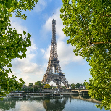 FRA9765AW Eiffel Tower and Seine river, Paris, France