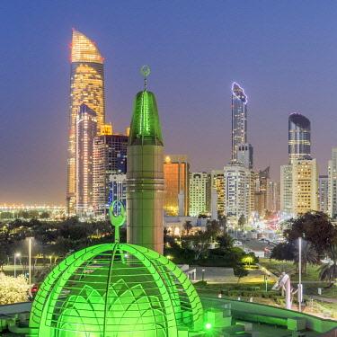 UE02388 Modern city skyline, Abu Dhabi, United Arab Emirates, UAE
