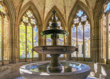 GER9983AW Germany, Baden-Württemberg, Maulbronn. Kloster Maulbronn (Maulbronn Monastery) Brunnenhaus fountain, UNESCO World Heritage Site.
