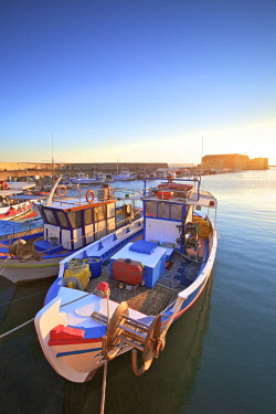 GR12434 The Boat Lined Venetian Harbour and Fortress, Heraklion, Crete, Greek Islands, Greece, Europe