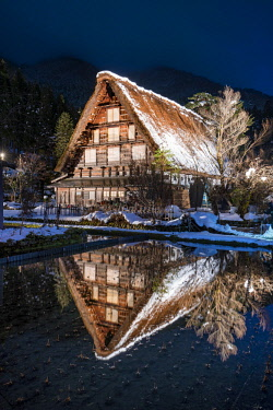 JAP1140AW Traditional Japanese farmhouse in the village of Shirakawago, Gifu Prefecture, Japan