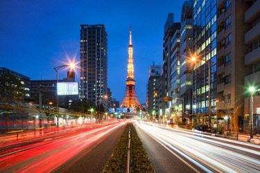 JAP1194AW Tokyo Tower illuminated at night, Minato, Tokyo, Japan