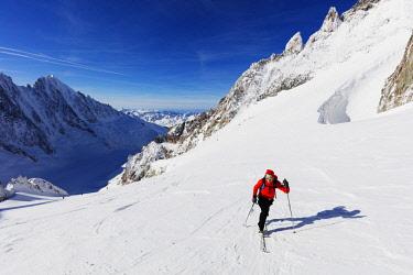 FRA9915 Europe, France, Haute Savoie, Rhone Alps, Chamonix, glacier de Argentiere (MR)