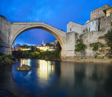 BOS1050AW Stari Most Bridge, Mostar, Bosnia & Hercegovina