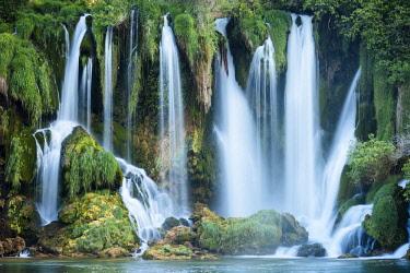 BOS1062AW Kravice Waterfalls, Bosnia & Hercegovina