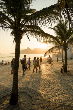BRA3397AW Ipanema beach, Rio de Janeiro, Brazil