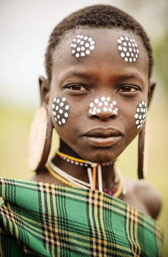 ETH3386AW Portrait of Namargo, Mursi Tribe, Minisha Village, Omo Valley, Ethiopia