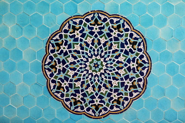IRA1283 Iran, Yadz. Decorative wall tiles in the Jameh Mosque.