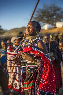 AF45LKL0048 Africa, Tanzania, girls wearing traditional clothing