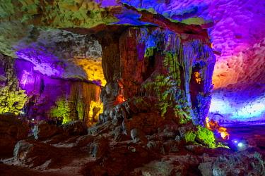 AS38DPB0007 Hang Sung Sot Cave, Halong Bay, Vietnam, Asia