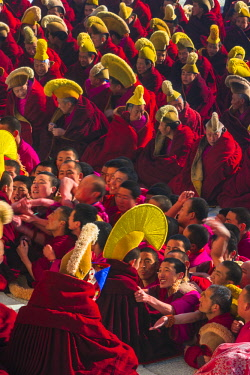 AS07AWO0040 Monks during the Tibetan New Year, Labrang Monastery, Gansu Province, China