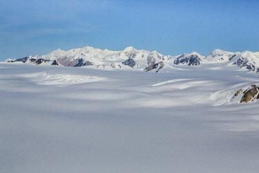 CN12BJY0015 Canada, Yukon Territory, Kluane National Park. Columbia Ice Field in the St. Elias Range (Unesco World Heritage Site)