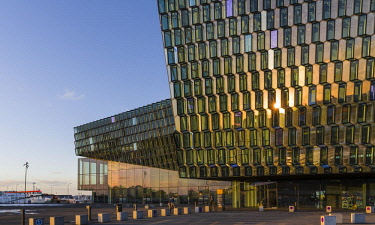 EU14MZW1287 Reykjavik, Harpa, the new concert hall and conference center (inaugurated in 2011). The building is one of the new architectural icons of Iceland.